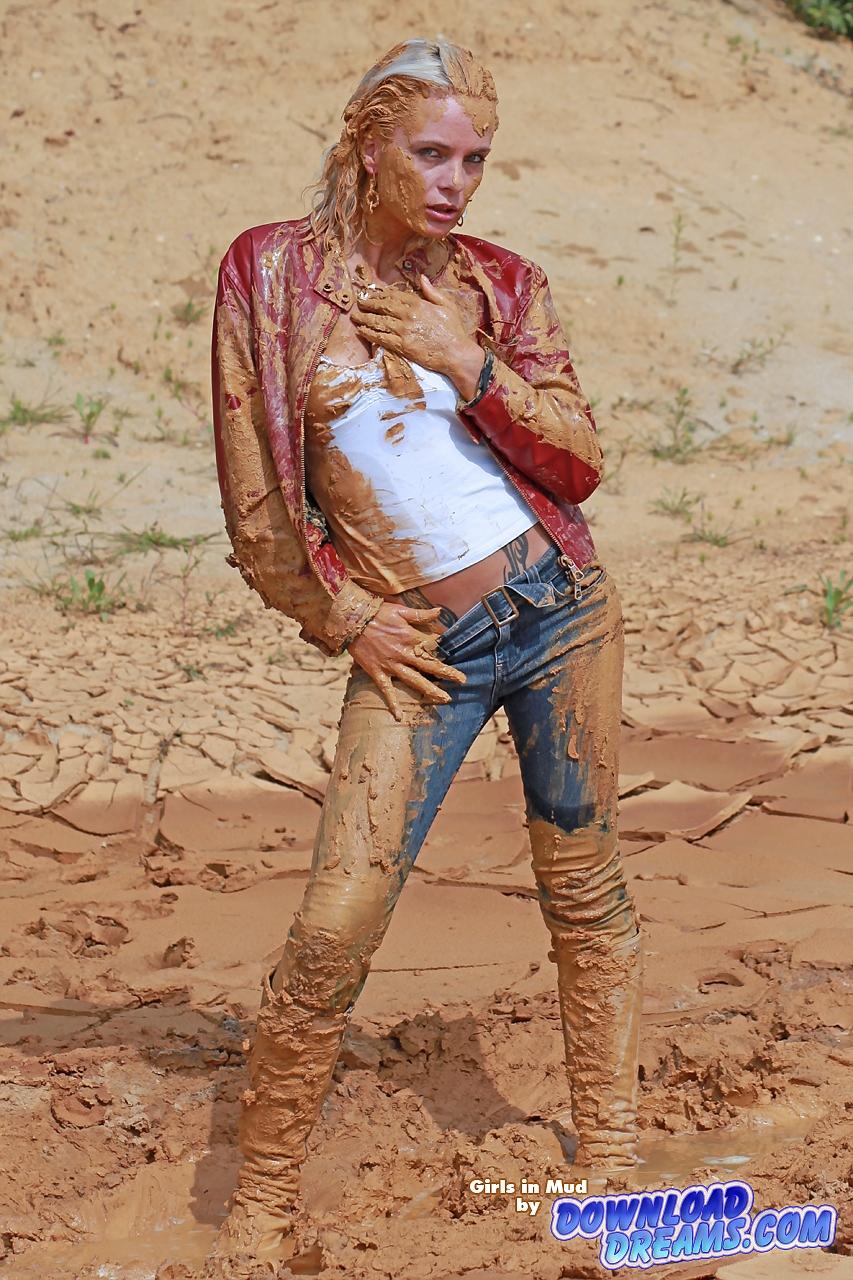 Фото девушек в грязи 6 фотография