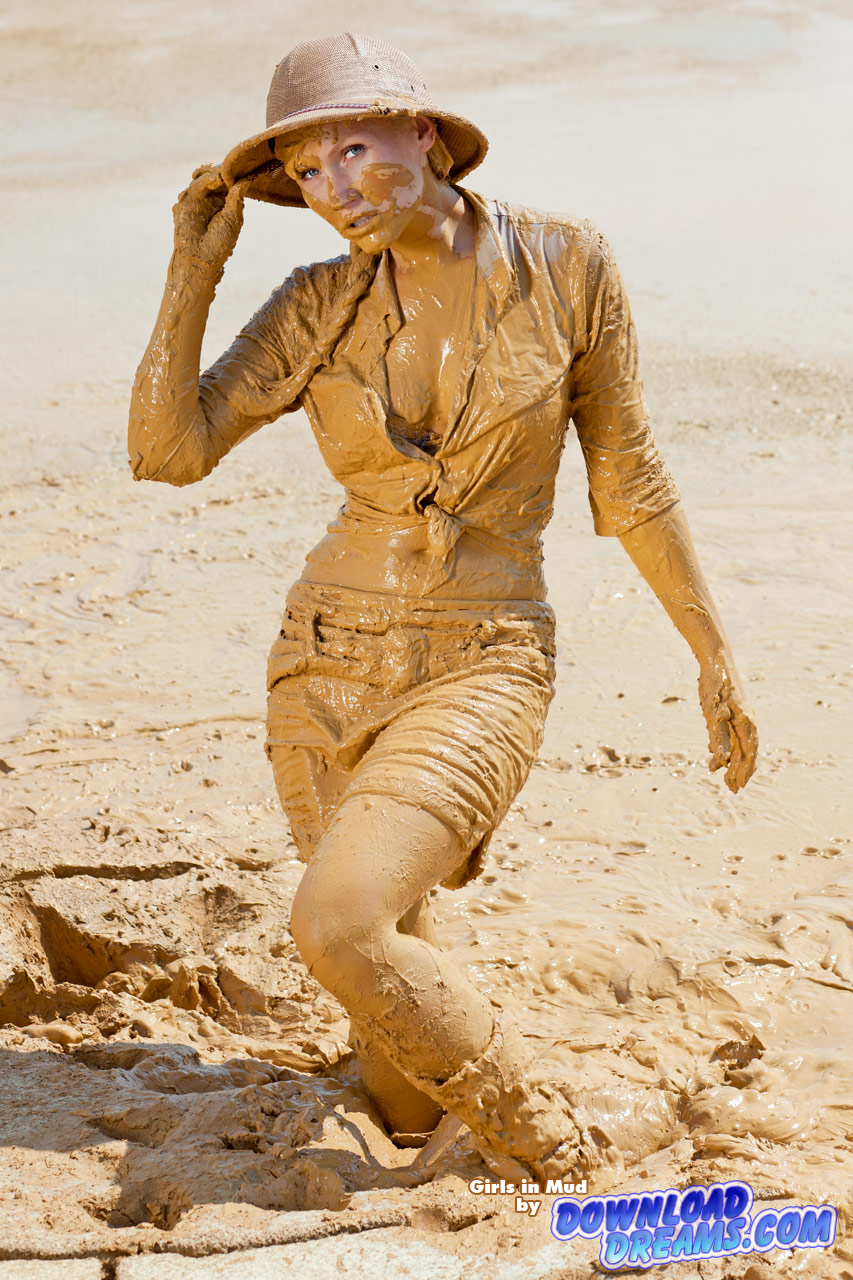 Girls In Mud Dvd 012 Gt Also Available As Blu Ray